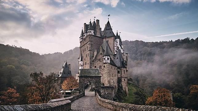 4 Kastil Yang Paling Berhantu Di Dunia